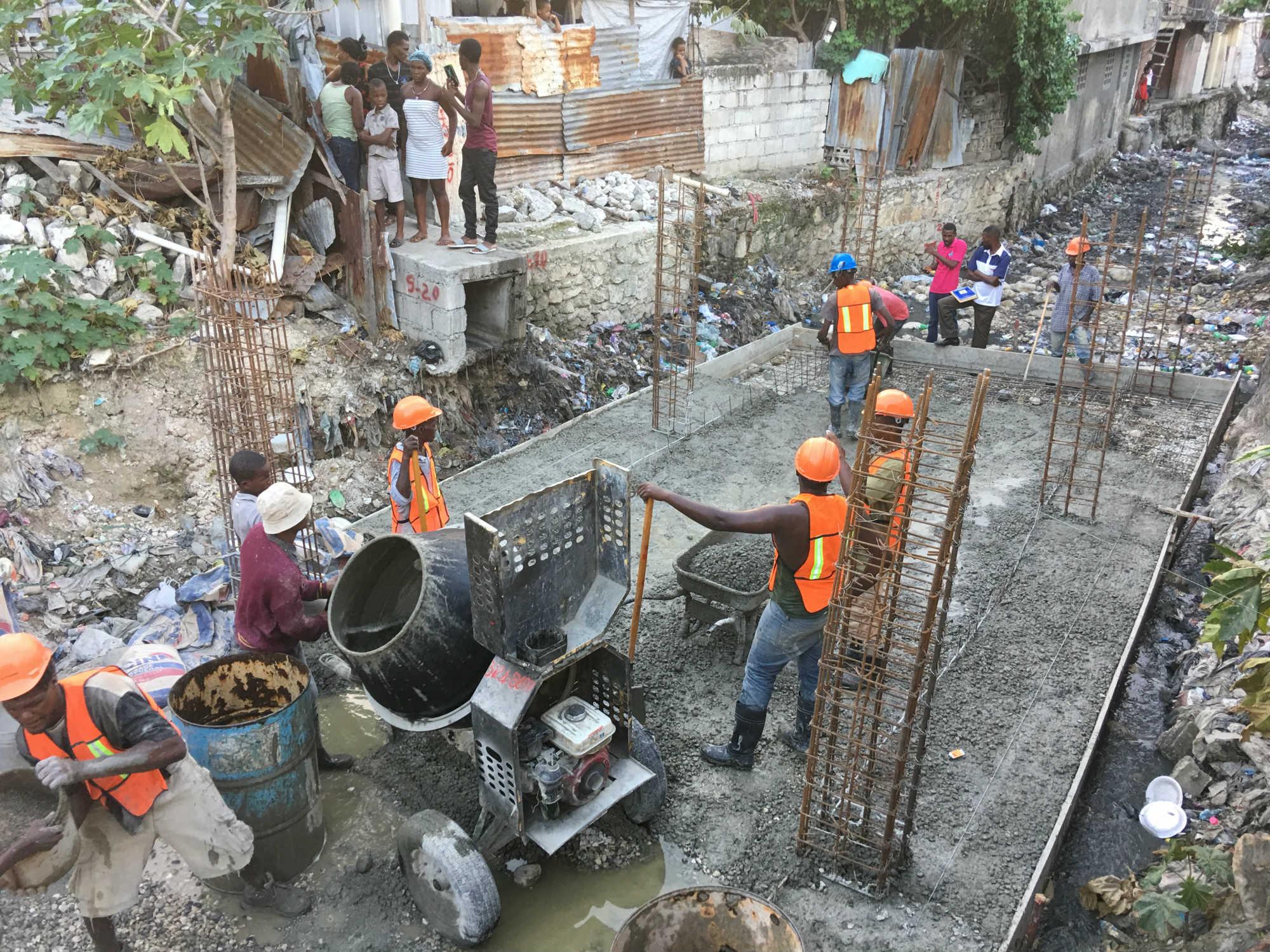Port au Prince : rétablir l'accès à l'eau potable et à l'assainissement pour les populations sinistrées