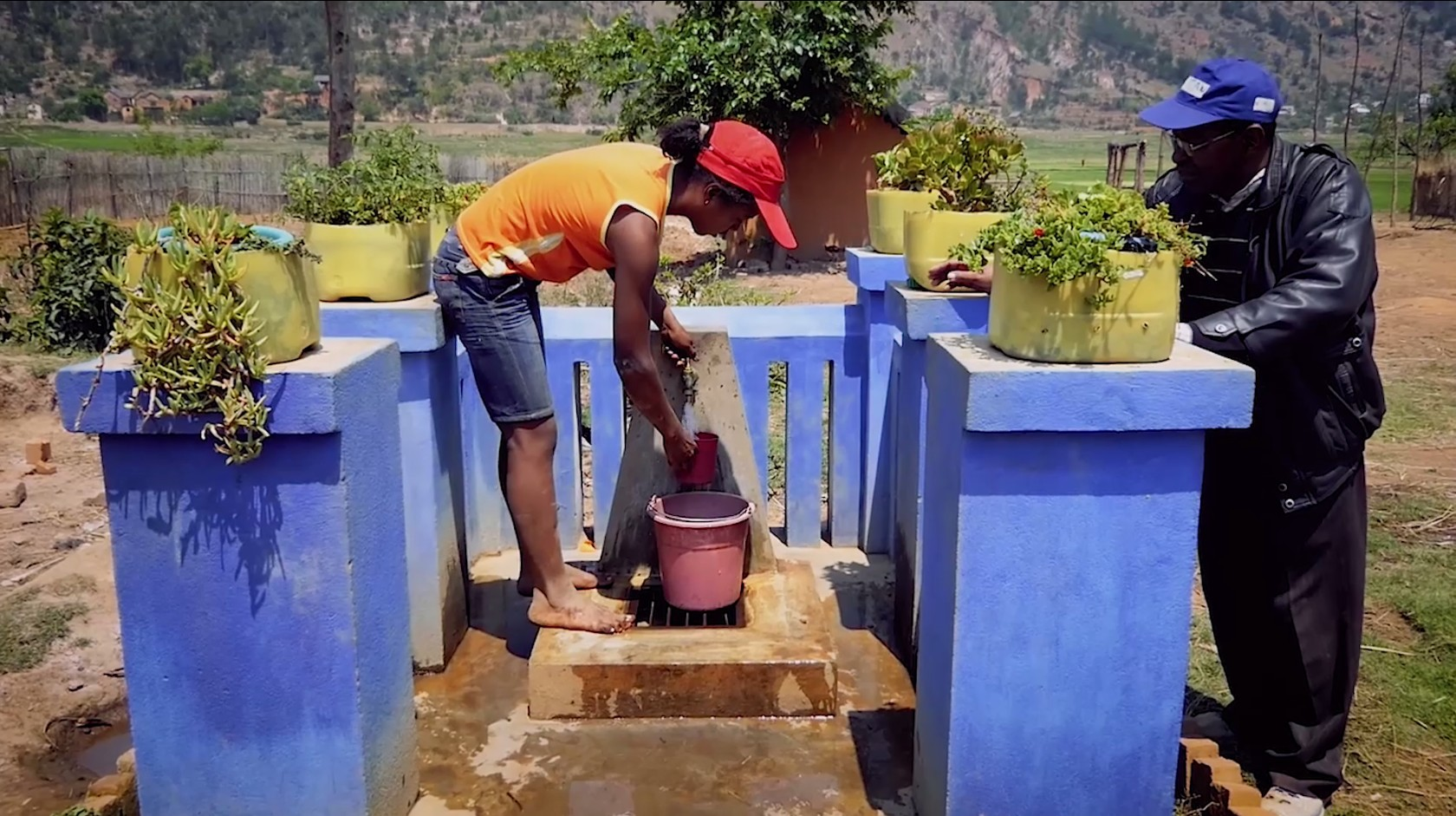Borne fontaine : alimentation en eau potable des villages de Sahanivotry