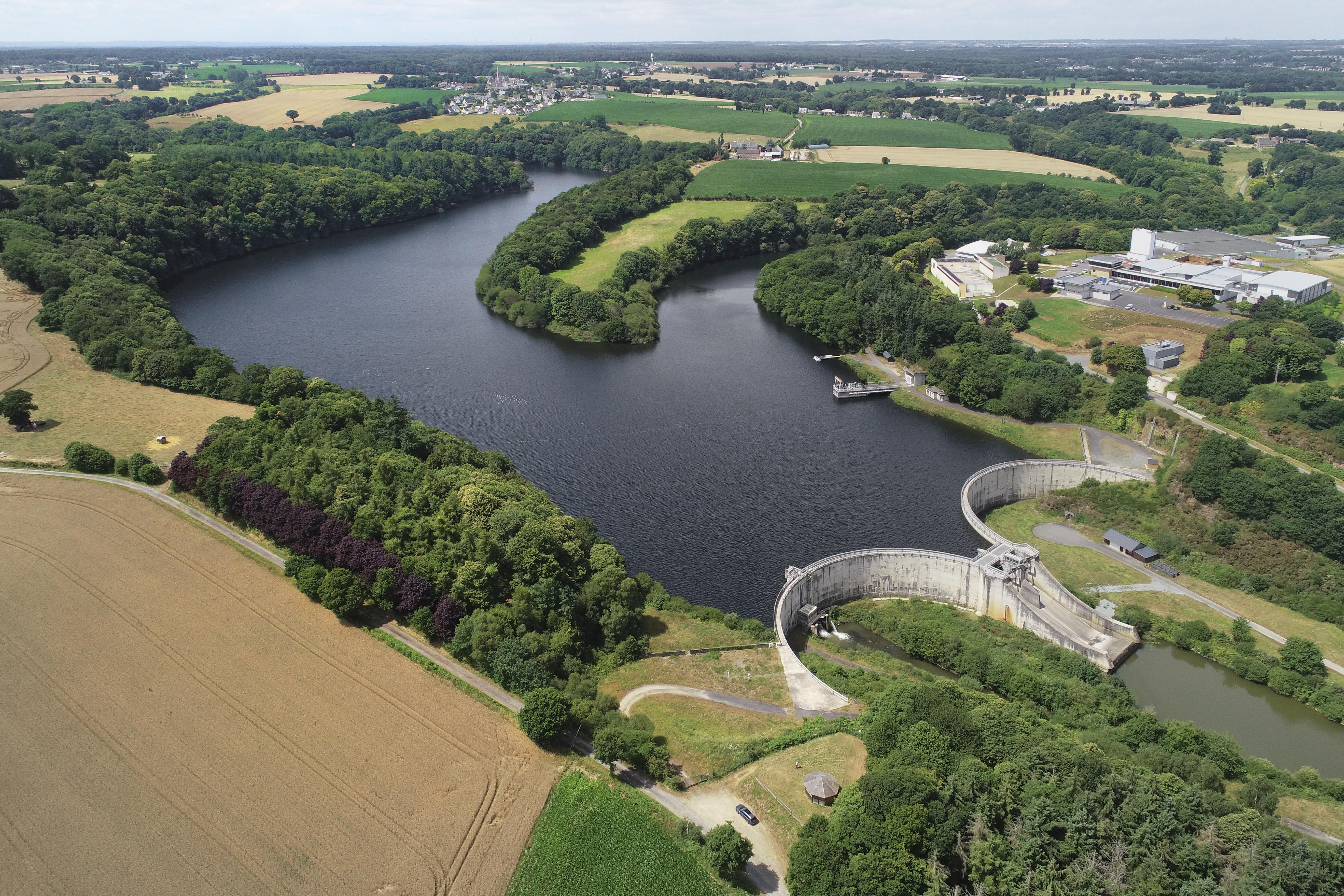 Retenue d'eau au barrage de la Ville Hatte