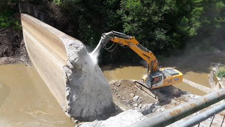 Travaux sur le barrage du Chat Cros (Creuse)